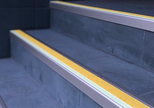 ESP Stair Nosing 35.7x80mm F430151 YELLOW 30mm Non Slip  PHOTOLUMINESCENT Installation IMG 9495